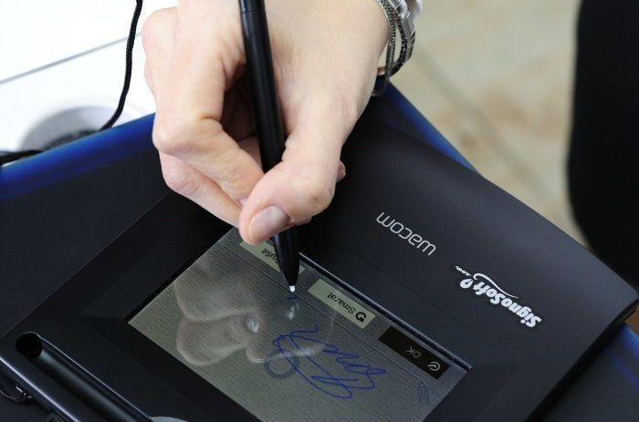 Papírování je z módy, využijte vlastnoruční digitální podpis