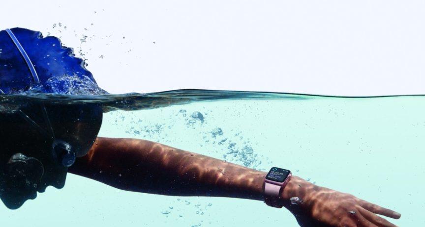 Apple Watch Series 2 brzy v nabídce O2. Jsou elegantní a nadchnou sportovce