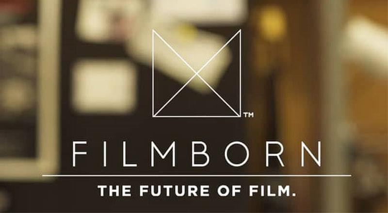 Aplikace Filmborn je hit. Udělá z iPhonu klasický fotoaparát
