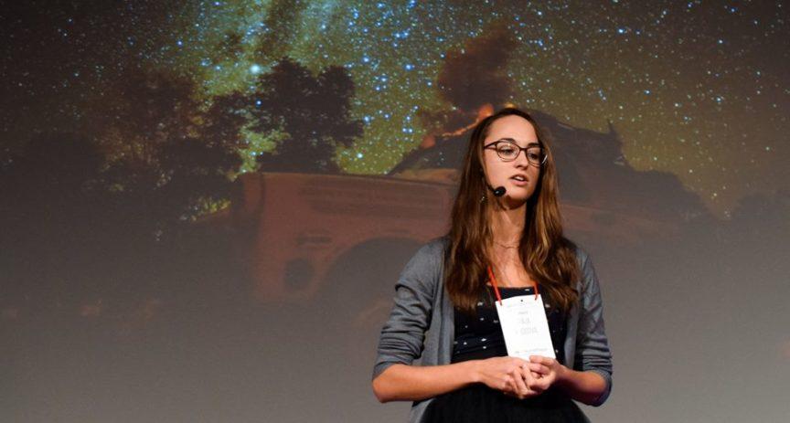 Světelná cesta stážistky Páji – Z hvězdárny na TEDx