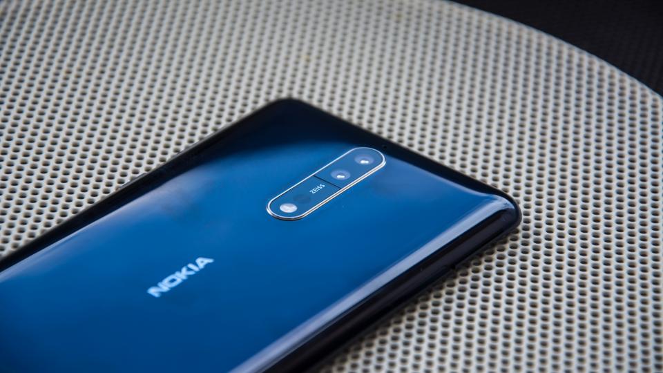 Prohlédněte si v prodejnách i v e-shopu O2 špičkový telefon Nokia 8