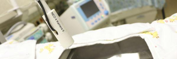 Rodiče mohou novorozence sledovat na videopřenosu z inkubátorů i díky O2