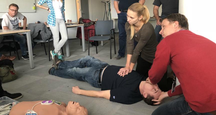 Zaměstnanci O2 absolvovali školení první pomoci