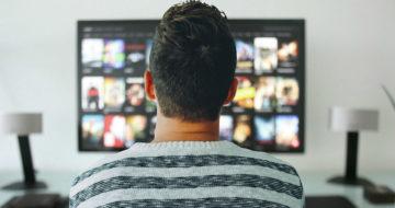 Tuzemští diváci TV si chválí zpětné zhlédnutí pořadů. Sportovní fanoušci si zase užívají výběr přímých přenosů