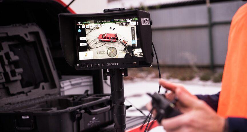 5G drony a chytrý kamerový systém. O2 představilo spolu s městy Plzní a Bílinou praktické využití 5G sítí