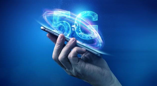 Telefon od Ježíška už by měl umět 5G. Využijte i poslední Black Friday