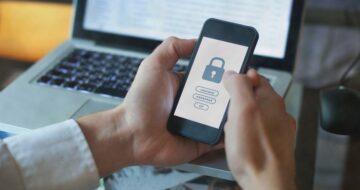 Guru tipy: Telefon vbezpečí. 6 triků, jak nedat hackerům šanci